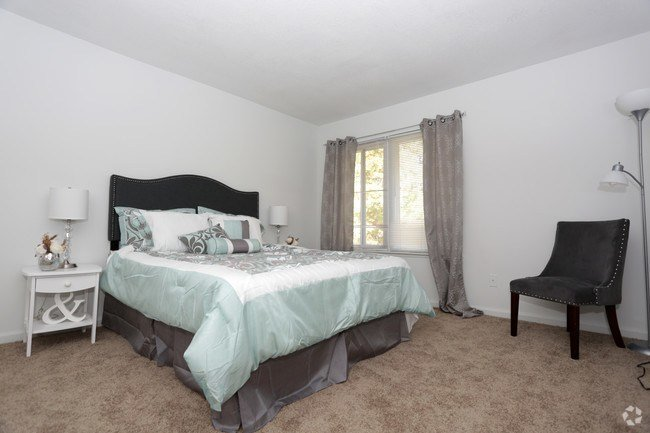 Best Kingstowne Apartments Rentals Newport News Va With Pictures
