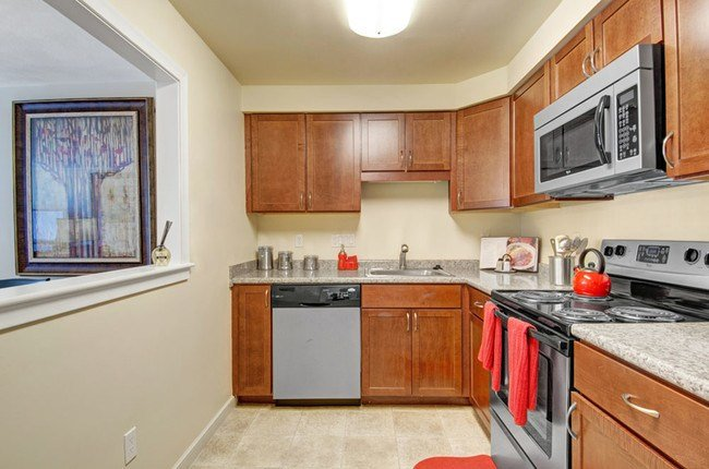 Best Gardencrest Apartment Homes Rentals Waltham Ma With Pictures