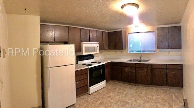 Best 2 Bedroom Apartment For Rent House For Rent In With Pictures