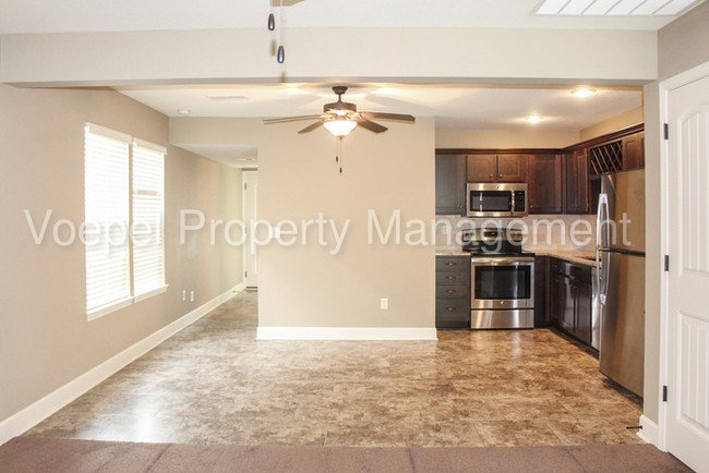 Best 3 Bedroom 2 5 Bath North Kc Townhome Townhouse For Rent With Pictures