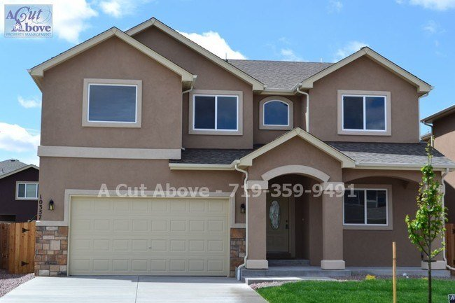 Best 4 Bedroom 2 5 Bath Near Fort Carson House For Rent In Colorado Springs Co Apartments Com With Pictures