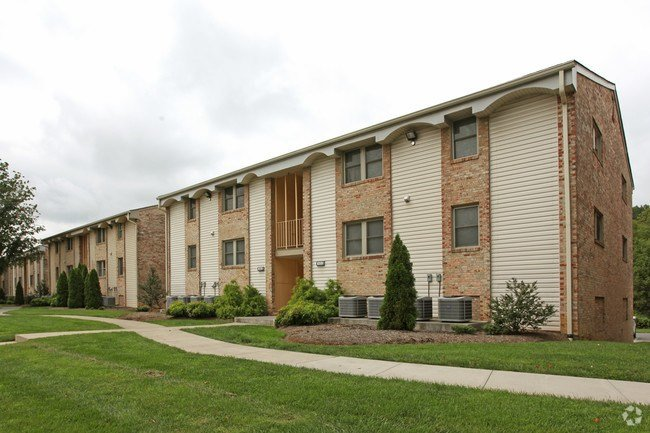 Best West Creek Manor Apartments Roanoke Va Apartments Com With Pictures