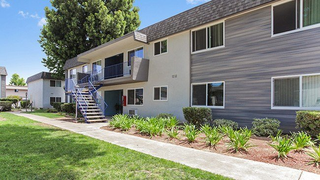 Best Latitude Apartment Homes Rentals Santa Ana Ca With Pictures