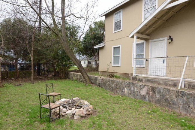 Best 4 Bedroom East Austin Duplex Apartment For Rent In With Pictures