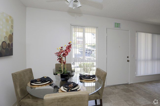 Best The Stratton Apartment Homes Apartments San Diego Ca With Pictures