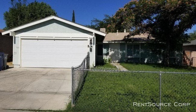 Best 3 Bedroom 2 Bathroom House In Lancaster House For Rent With Pictures