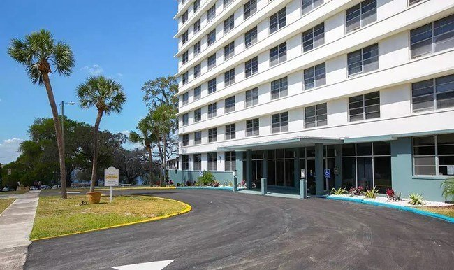 Best Lakeview Tower Apartments Apartments Winter Haven Fl With Pictures