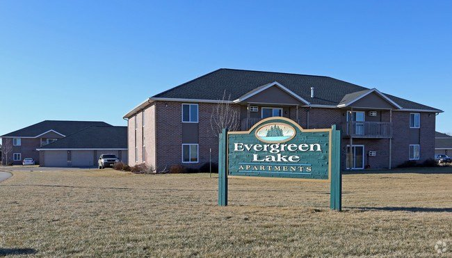 Best Evergreen Lake Apartments Apartments Appleton Wi With Pictures
