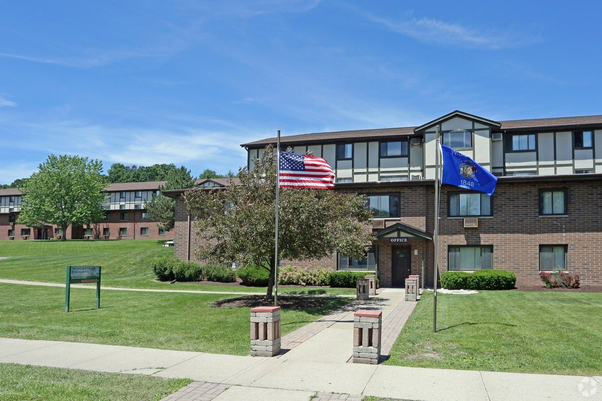 Best Woodfield Heights Apartments Rentals Waukesha Wi With Pictures