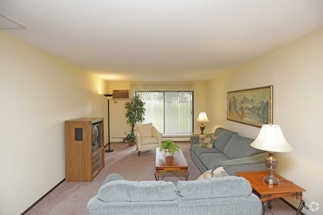 Best One Bedroom Apartments In Eau Claire Wi Hallow Keep Arts With Pictures