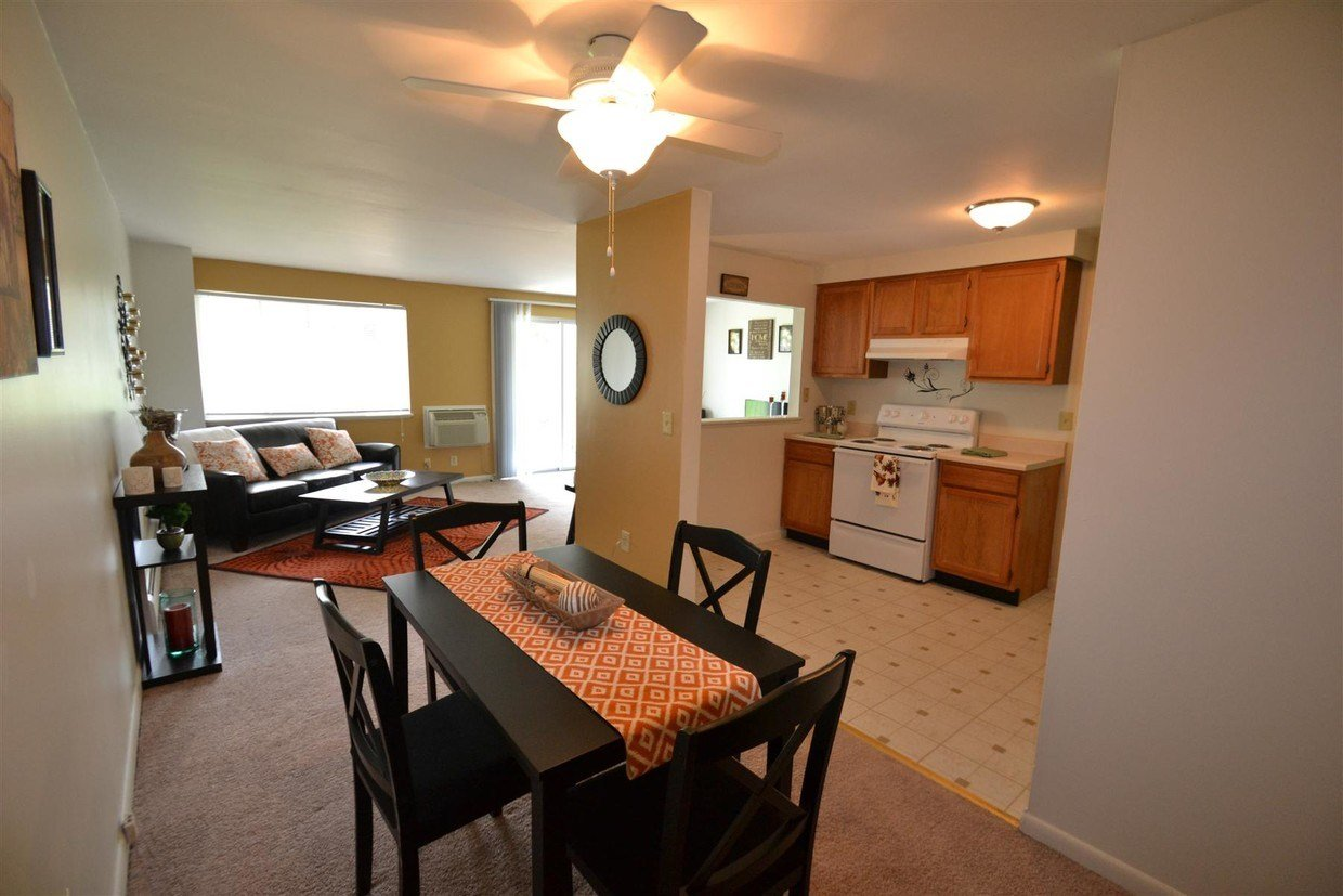 Best Windsor Place Apartments Rentals North Syracuse Ny With Pictures Original 1024 x 768