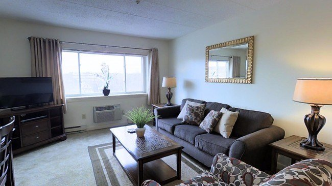 Best J E Furnished Apartments Of Quincy Apartments Quincy With Pictures