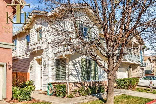 Best Nicely Appointed 4 Bedroom Home House For Rent In Sacramento Ca Apartments Com With Pictures