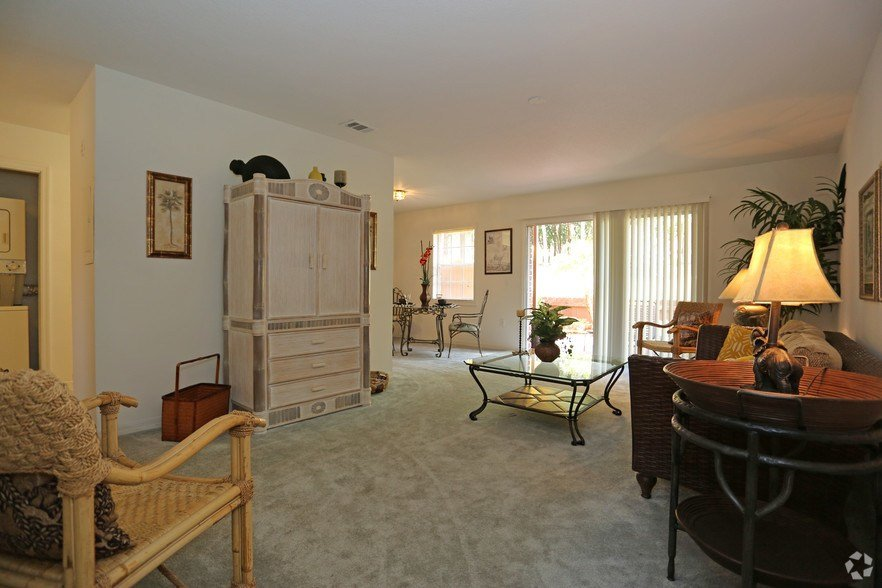 Best Carlton Arms Of North Lakeland Apartments For Rent In With Pictures