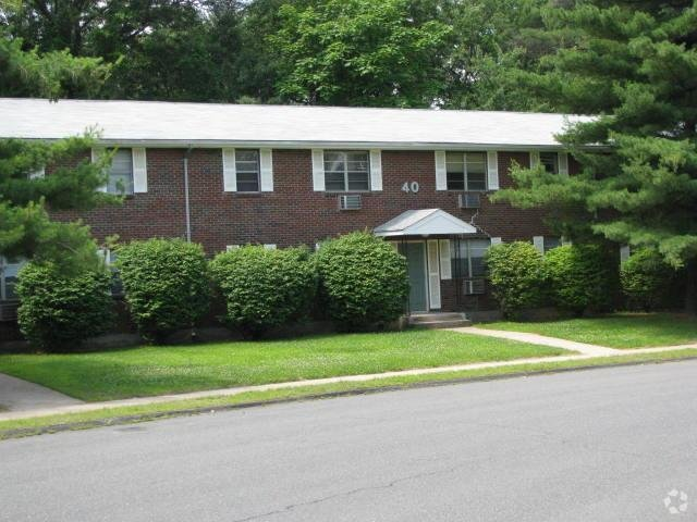 Best Pine Brook Terrace Apartments For Rent In Bristol Ct Forrent Com With Pictures