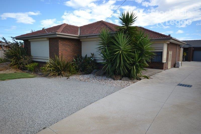 Best 4 Bedroom Houses For Rent In St Albans Vic 3021 May 2018 With Pictures