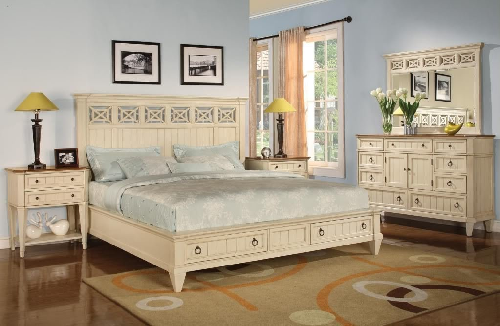 Best Antique Furniture Hunting Tips Inspirationseek Com With Pictures