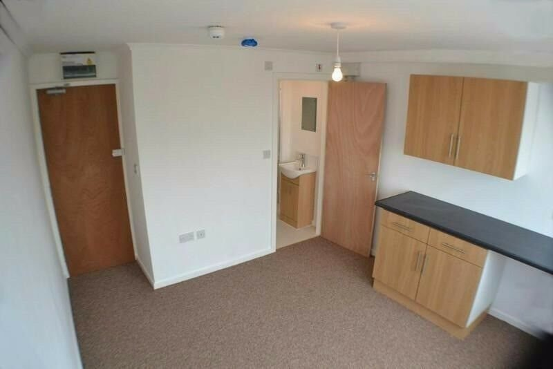 Best 1 Bed Flat Dss Welcome No Deposit Huddersfield With Pictures
