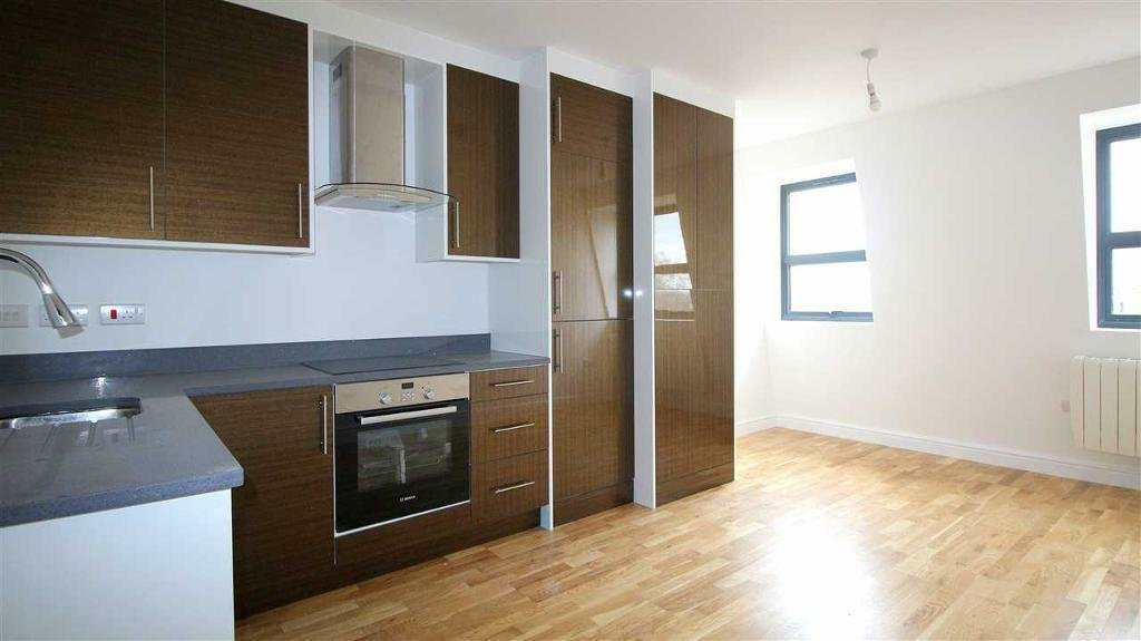 Best 1 Bedroom Flat In Cardington Road Avleen House Bedford With Pictures