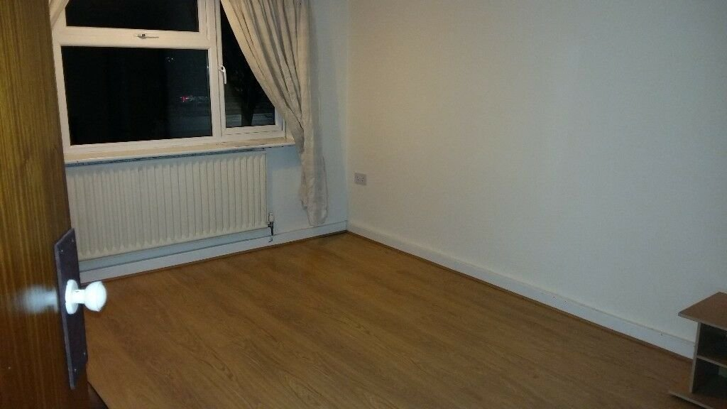 Best First Floor 1 Bedroom Flat To Let 5 Mins Walk From With Pictures