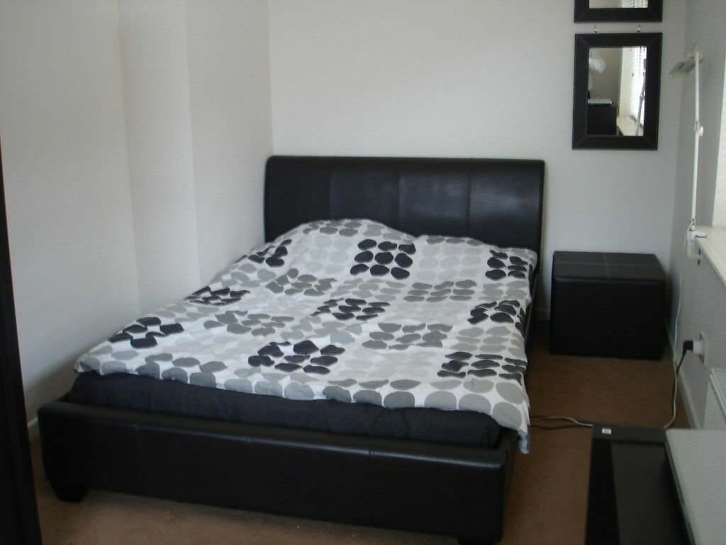 Best Stunning Two Bedroom Flat Available To Rent Located On With Pictures