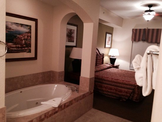 Best Hot Tub In Master Bedroom Picture Of Lake Buena Vista With Pictures