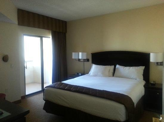 Best Bedroom With Balcony Picture Of Polo Towers Suites Las With Pictures