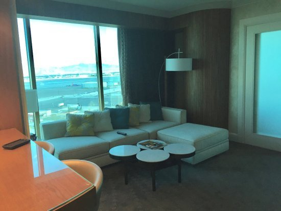 Best Panoramic 2 Bedroom King Suite Picture Of Mandalay Bay With Pictures