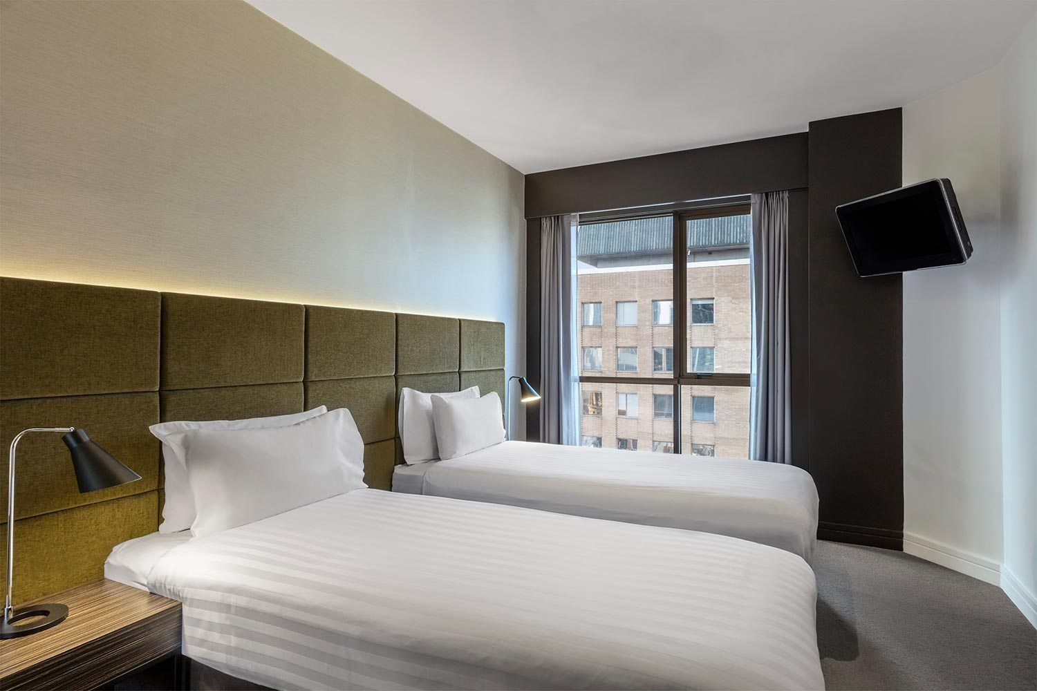 Best Adina Apartment Hotel Melbourne Best Rate Guaranteed With Pictures