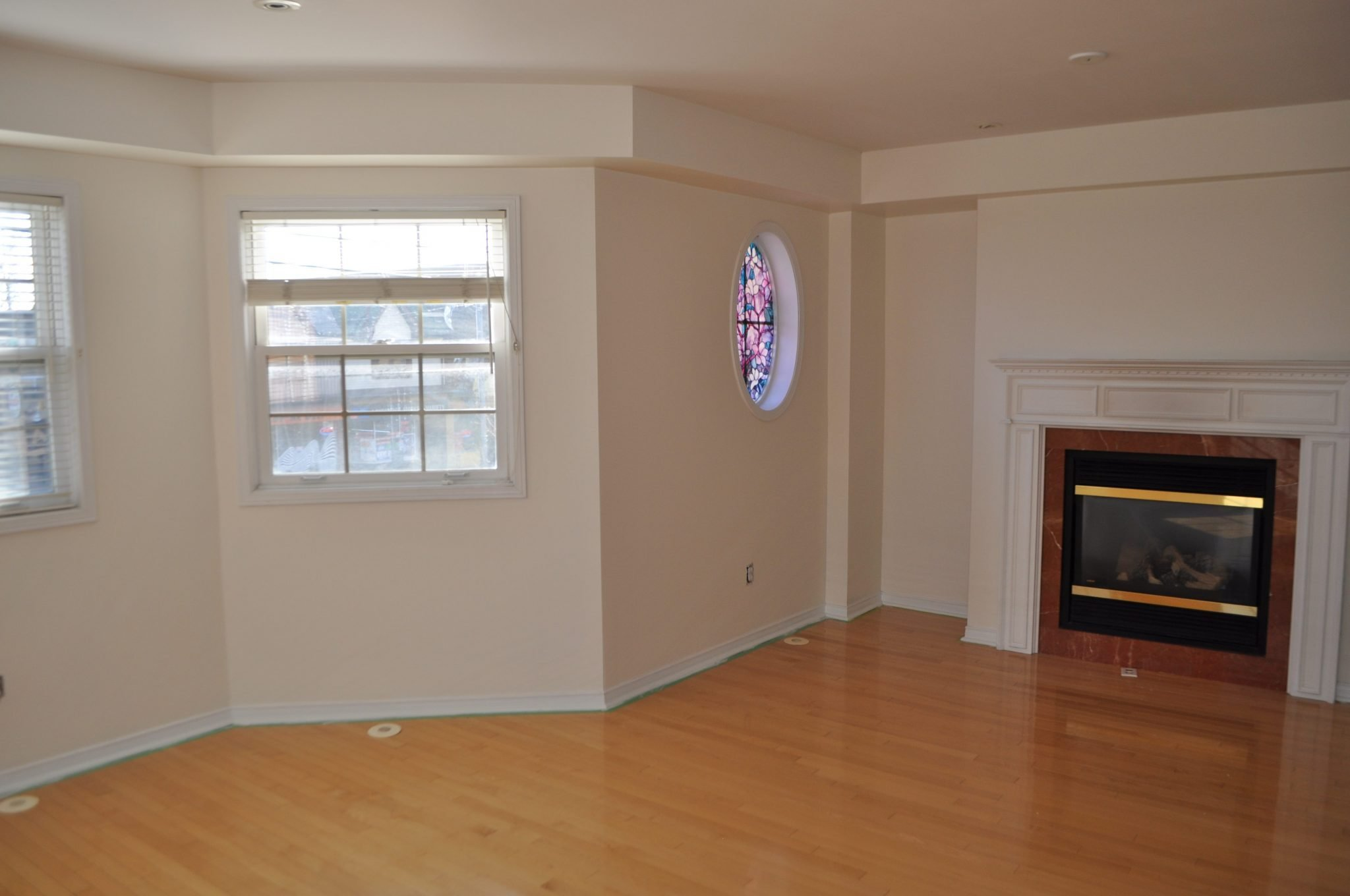 Best 2 Bedroom 2 5 Bathroom Townhouse New Toronto With Pictures