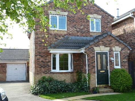 Best Martin Co Beverley 3 Bedroom Detached House To Rent In With Pictures