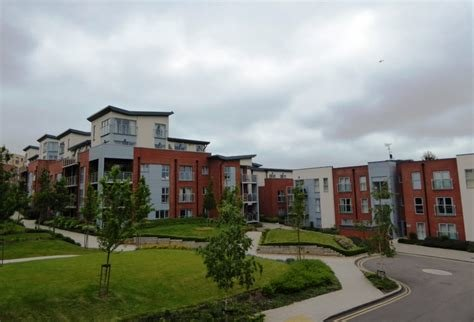 Best Martin Co St Albans 2 Bedroom Flat To Rent In Barcino With Pictures
