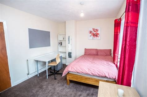 Best Whitegates Huddersfield 6 Bedroom House To Rent In With Pictures