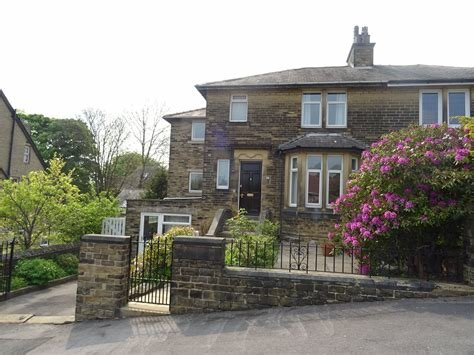Best Whitegates Bradford 4 Bedroom House For Sale In Cranbourne With Pictures