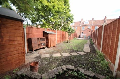Best Cj Hole Bridgwater 3 Bedroom House To Rent In Old Taunton With Pictures