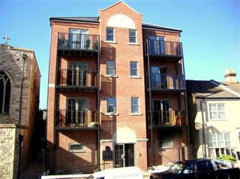 Best Martin Co Gosport 2 Bedroom Flat To Rent In Central With Pictures