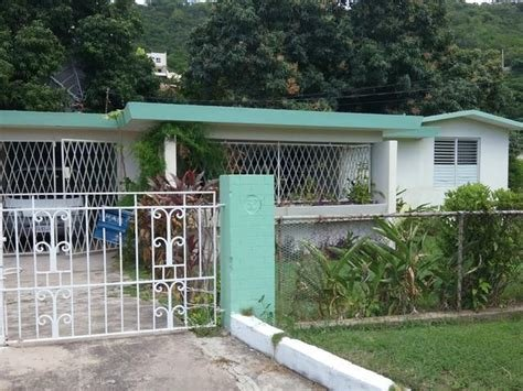 Best This Corner Lot House Consists Of Three Bedrooms 2 Bathrooms Living And Dining With A Laundry With Pictures