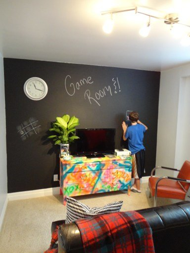 Best The 100 Chalkboard Graffiti Guest Game Room Makeover With Pictures