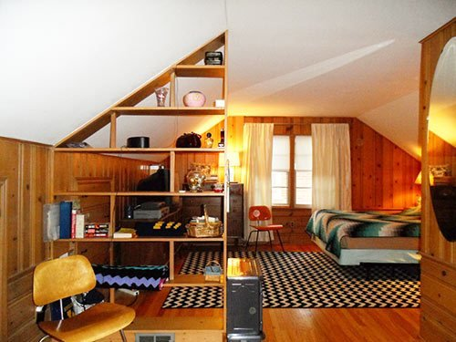 Best Colors For Jeanne S Knotty Pine Bedroom Let S Share Our With Pictures