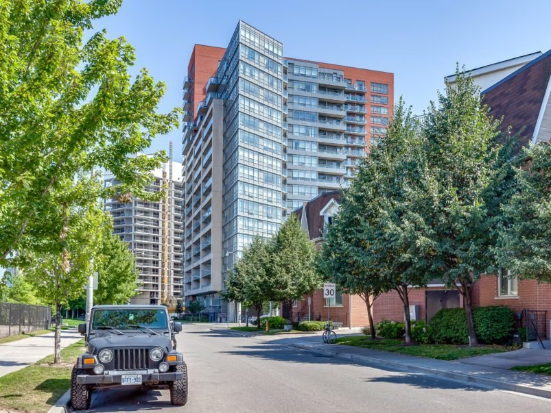 Best The 451 000 Liberty Village Condo That Proves Negative With Pictures