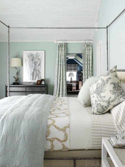 Best Metal Canopy Bed Cottage Bedroom Tara Seawright With Pictures