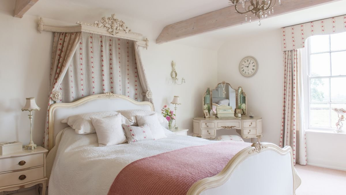 Best 17 Romantic French Style Bedroom Ideas Real Homes With Pictures