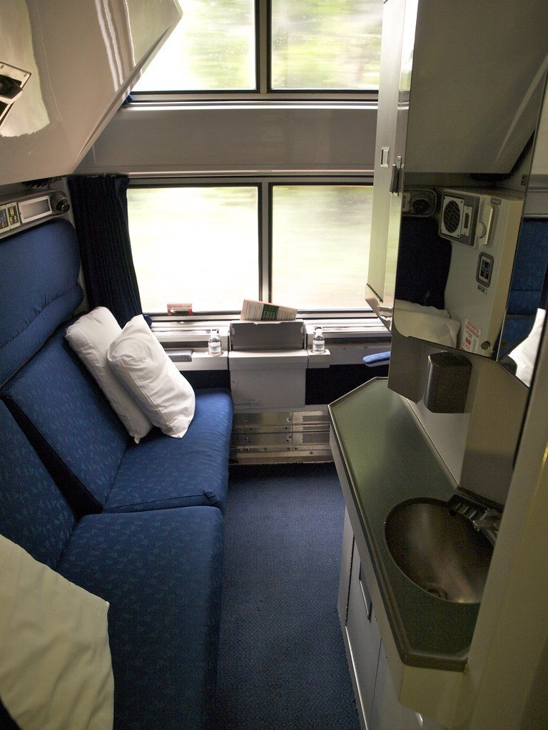Best Amtrak Deluxe Bedroom Deluxe Bedroom On The Lake Shore With Pictures