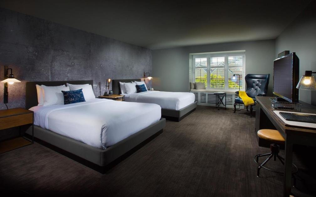 Best Admiral King Suite Deluxe 2 Queen Room At Pier 2620 With Pictures