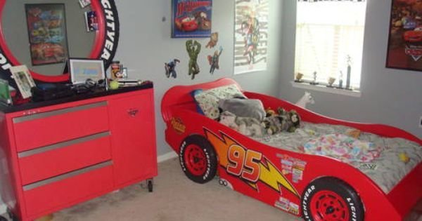 Best Lightning Mcqueen Race Car Bed And A Toolbox Dresser W Tire Mirror Kids Pinterest Car Bed With Pictures