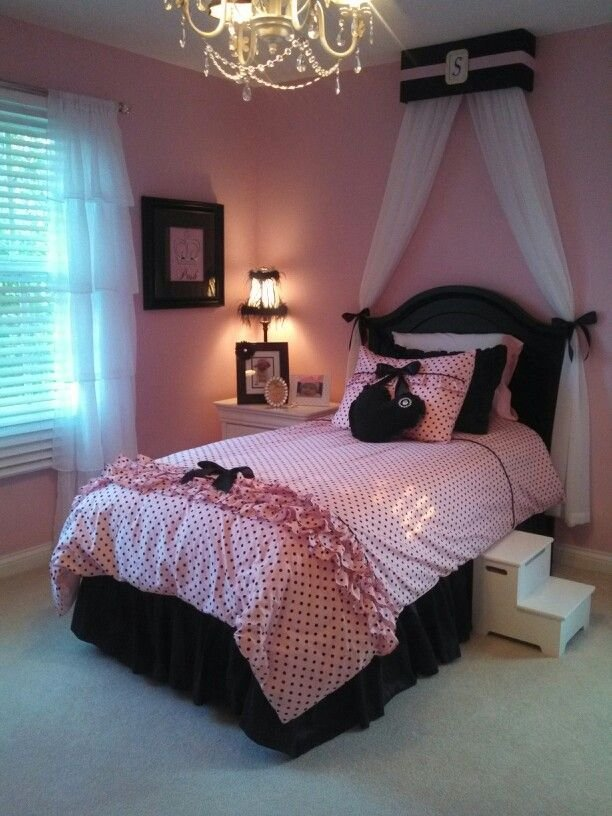 Best Girls Pink And Black Themed Bedroom Bedding From Wake Up With Pictures