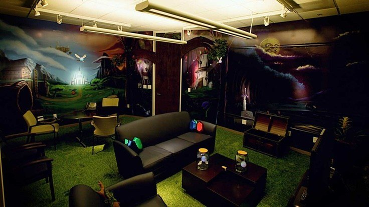 Best The Zelda Room Complete With Rupee Pillows And Fairies Trapped In Glass Jars Design Office With Pictures