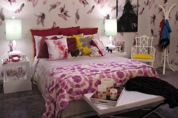 Best 17 Best Images About Hanna Marin Bedroom On Pinterest Yellow Table Lamps Hanna Marin And With Pictures