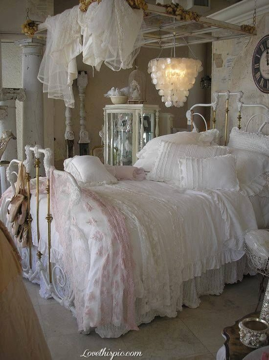 Best *Mg Love The Huge Old Window Over The Bed Window Panes Picture Frames Pinterest Lattices With Pictures