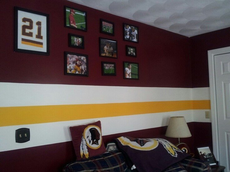 Best Redskins Themed Room Sent In By Tracey Burgundy Gold With Pictures